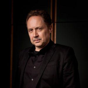 Mark Isham je velmi úspěšný americký hudební skladatel, který je členem scientologické církve.