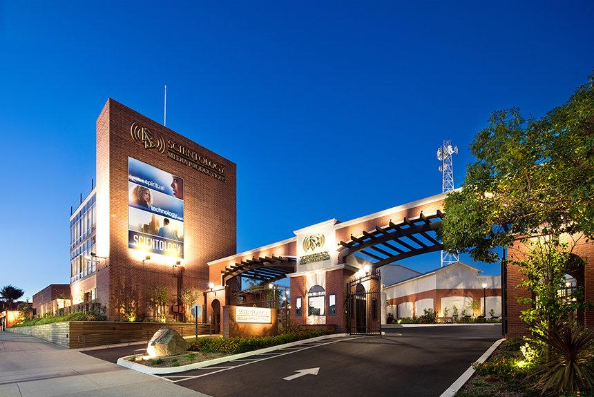 Scientologická rozhlasová stanice a Scientologická televize jsou součástí Scientology Media Productions.