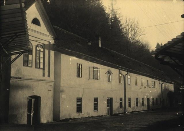Plnírna Vincentky před zbouráním 40.léta20.st .